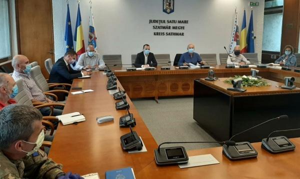 Ședință la Prefectura Satu Mare privind deplasarea cetățenilor români în afara granițelor