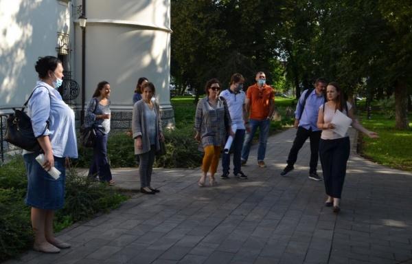 Proiect de sute de mii de euro pentru flori și arbori