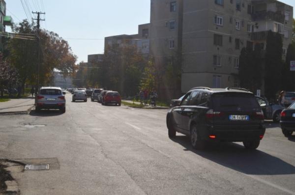 Pe strada Platanilor se va circula în ambele sensuri