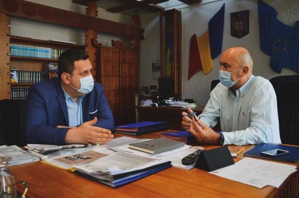 Duhoarea de la Carei a ajuns în cabinetele șefilor de la județ în preajma campaniei electorale