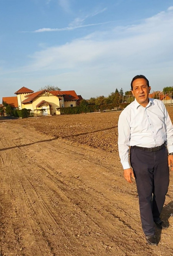 Ilie Ciută: ,,Tinerii au nevoie de loturi de teren pentru a-și construi case,,