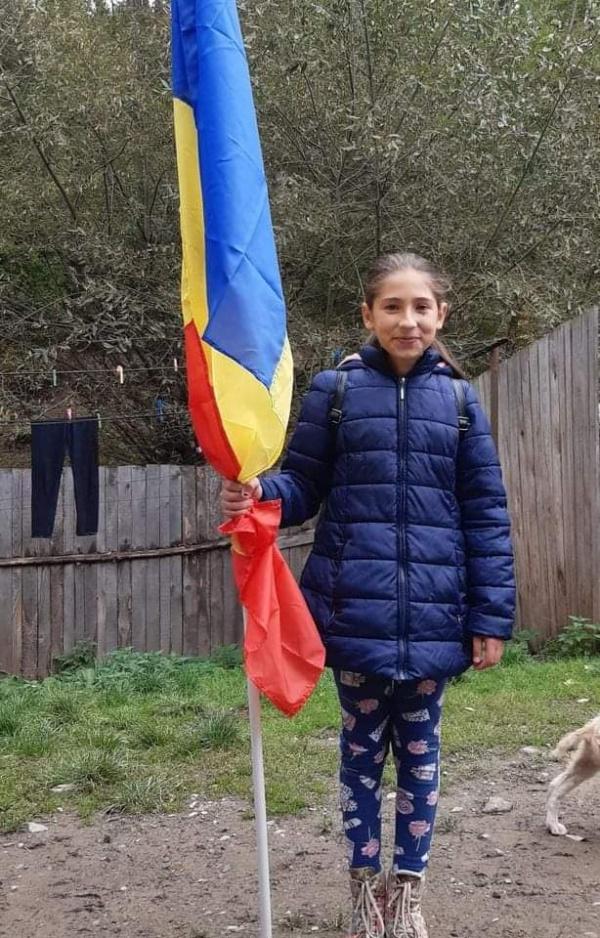 Adelina este primul copil intrat în programul Burselor Români pentru Români