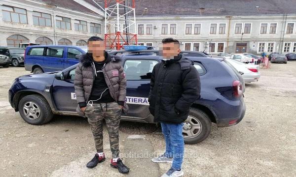 Doi migranți libieni reținuți la Carei