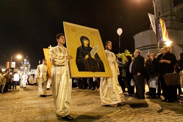 Ce s-a admis la alegerile locale nu se permite Bisericii. Interzicerea pelerinajului de Sfânta Parascheva