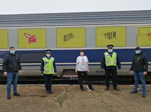 """Campania ,,Selfie-ul pe tren nu ia like-uri, ia vieți!"""""""