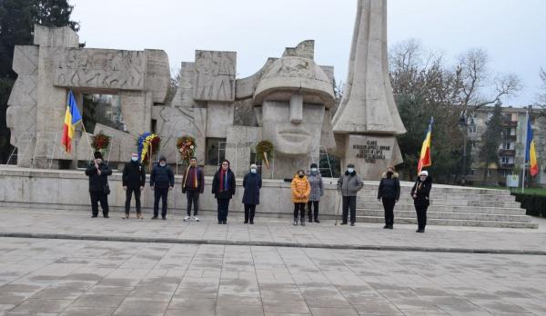 Depuneri de coroane  la Monumentul Ostașului Român din Carei de Ziua  Națională