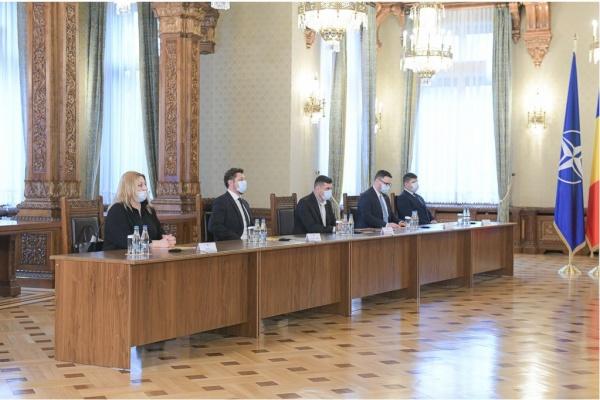 Liderii AUR la consultări cu președintele Iohannis la Cotroceni