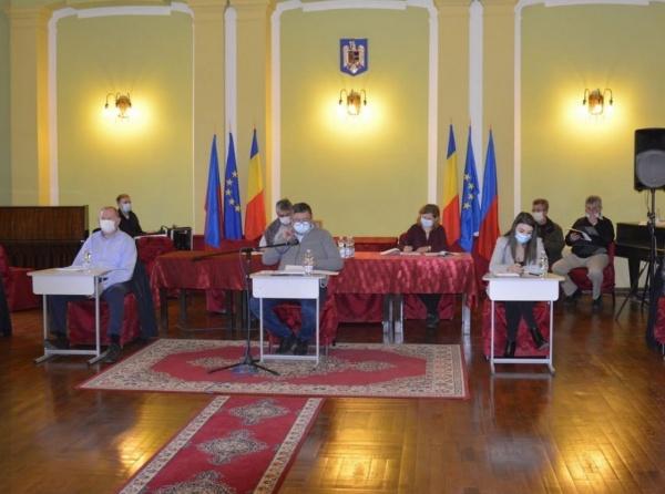 Primăria Carei oferă 263 de pachete de Moș Nicolae
