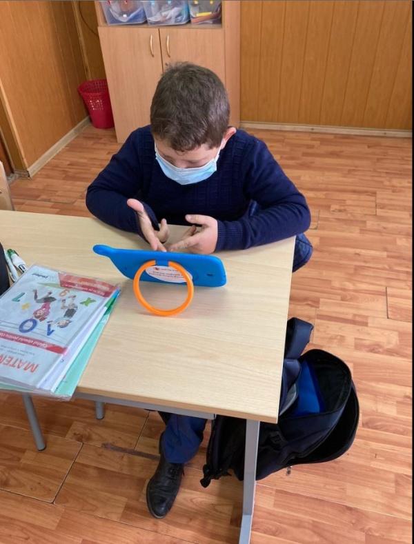 ANCHETĂ: Trei sferturi dintre profesori și părinți și peste jumătate dintre copii consideră necesară redeschiderea școlilor