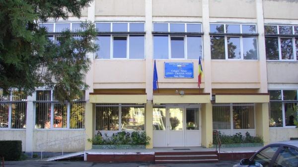 Dispar liceele românești  Unio ,,Traian Vuia,, și ,,Elisa Zamfirescu,, din Satu Mare