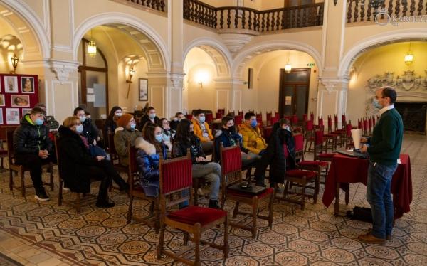 Prezentare multimedia și expoziție de imagini cu ocazia Zilei Brâncuși la Carei