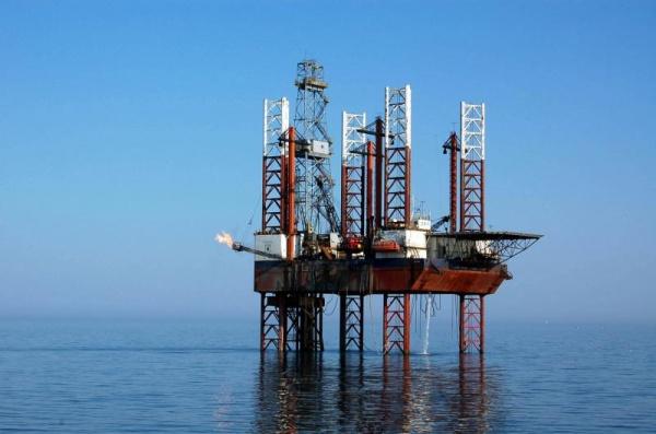 """AVEM gaz în Marea Neagră """"mai mult decât se poate consuma"""" dar îl exploatează străinii"""