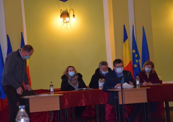 La Consiliul Local Carei doar primarul și președintele de ședință au microfon