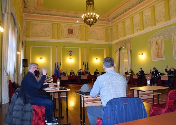 Ședință extraordinară a Consiliului Local la Primăria Carei. Varianta online e ,,în lucru,,