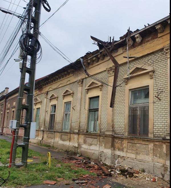 Imaginile groazei sau când Consiliul Județean Satu Mare e proprietarul clădirii din Carei….