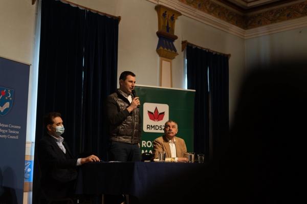 O idee creață a ministrului Tanczos Barna. Fără centrale termice individuale la bloc