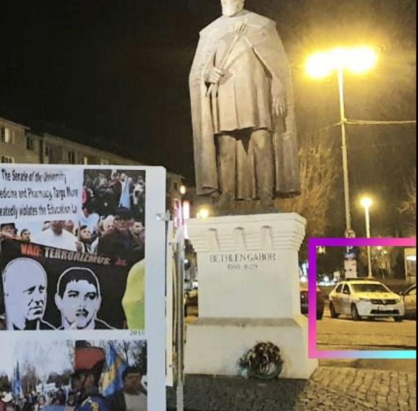 Poliția păzește la Târgu Mureș o expoziție cu imagini și mesaje împotriva integrității și statalității României