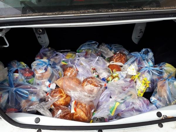 Primăria Carei oferă pachete cu alimente de sărbătorile pascale