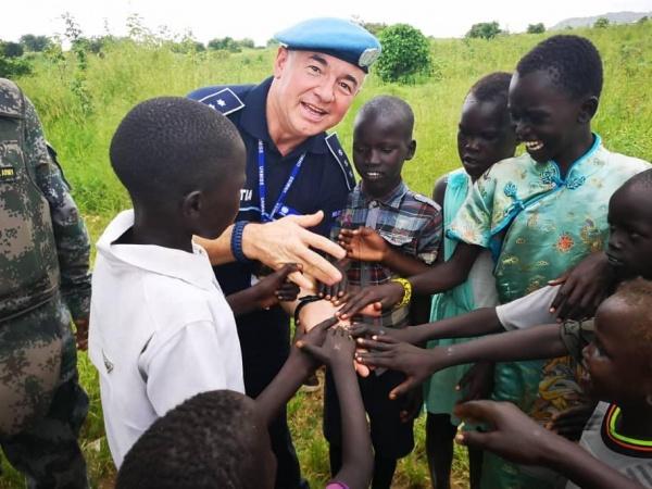 Fostul polițist careian Crainic este imaginea MAI de Ziua Internațională a Căștilor Albastre