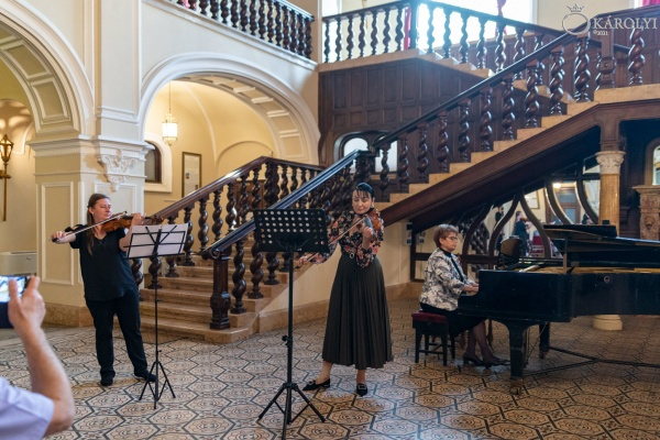 Recital de pian, vioară și balet la Castelul din Carei