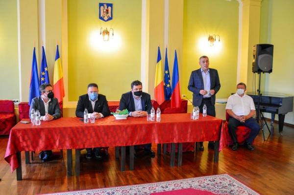 Primăria Carei nu publică nimic despre prezența secretarului de stat Barabási la adunarea din Sala Festivă