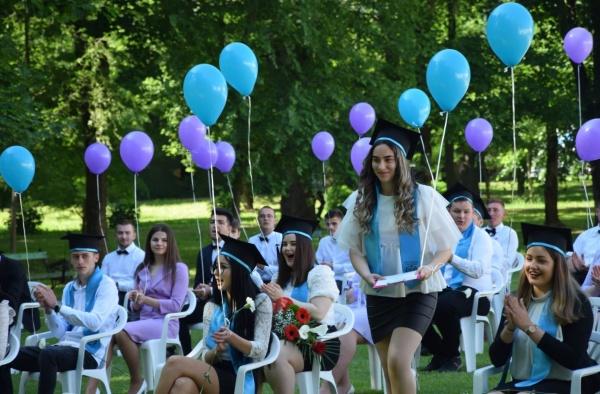 Festivitate de absolvire la Liceul Iuliu Maniu Carei. Găman Andrea șefă de promoție