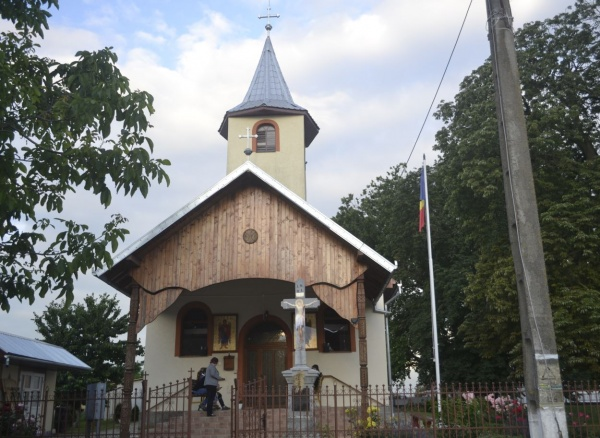 Târnosirea bisericii din Marna Nouă. Liturghie arhierească