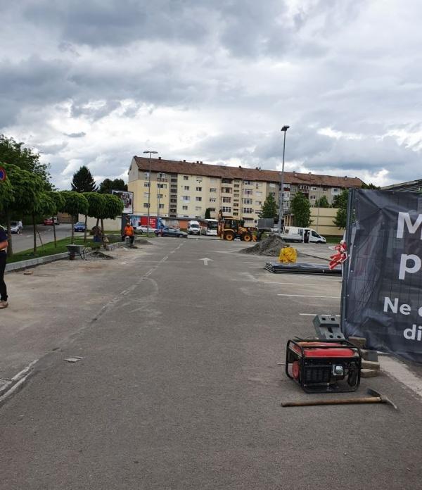 Lucrări în parcarea Kaufland