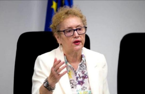 Parlamentul României e corigent la Constituție. Avocatul Poporului trebuie repus în drepturi