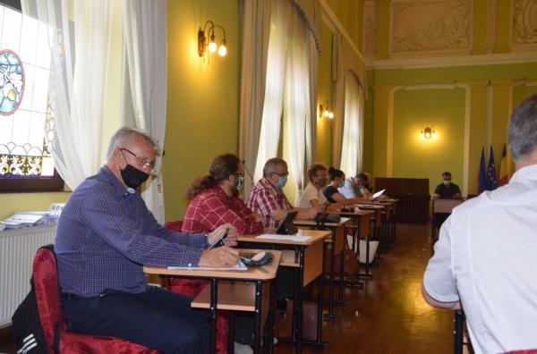 Consilierii au votat Loc de Joacă pentru copiii din Ianculești. Nu grădiniță, nu școală, nu Cămin Cultural