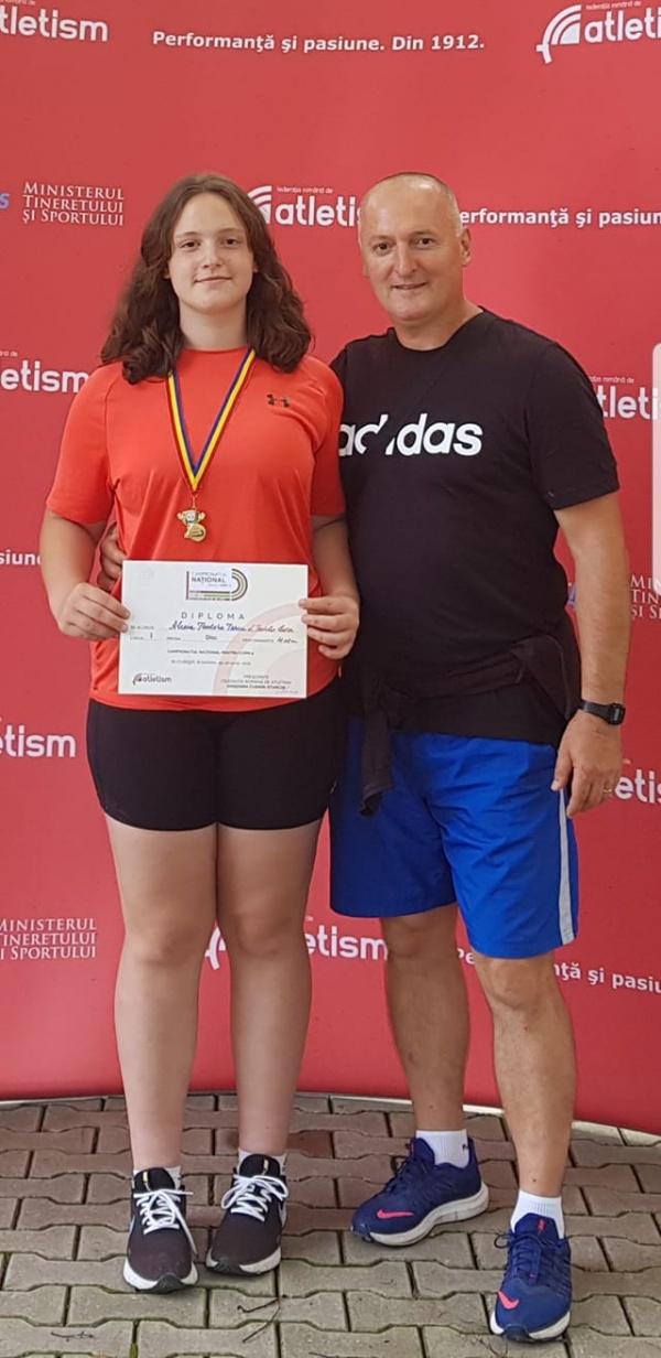 Careianca Alexia Turcu, dublă campioană națională la aruncarea discului și a greutății