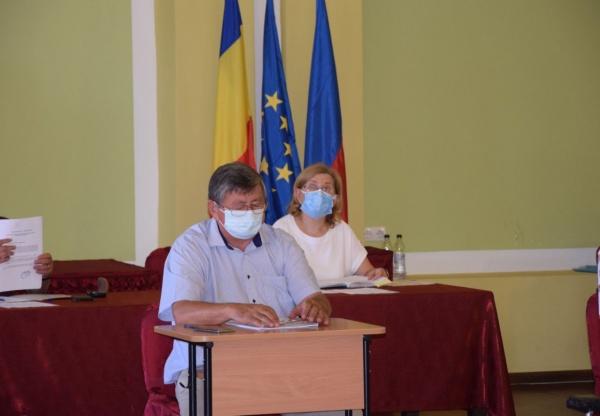 Primarul evazionist iese cu declarații despre Spitalul Municipal Carei. Ghiveciul demisie, concediu, pensionare