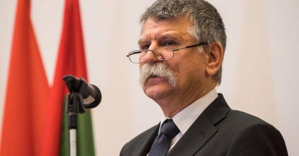 Președintele Parlamentului Ungariei patronează un bal la Carei