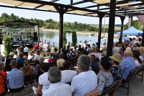 Număr record de participanți la Festivalul Foclorului Codrenesc de la Oțeloaia