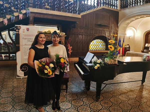 Recital de neuitat, de vioară și pian susținut de Danciu Stela și Dragoș Lavinia la castelul din Carei