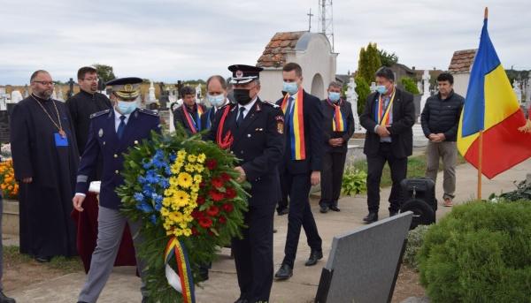 Comemorarea eroilor români la cimitirul din Urziceni în absența autorităților locale. VIDEO