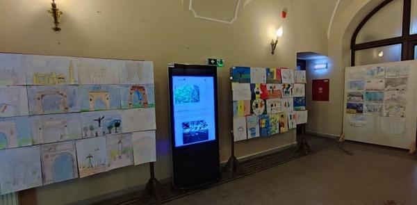 Peste 100 de desene înscrise în concursul dedicat zilei de 25 Octombrie