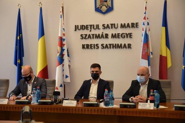 Ministrul Sportului, Novák Eduárd, s-a întâlnit la Satu Mare doar cu cei convocați de liderii UDMR ai județului